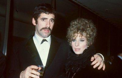 Barbra Streisand and Elliott Gould