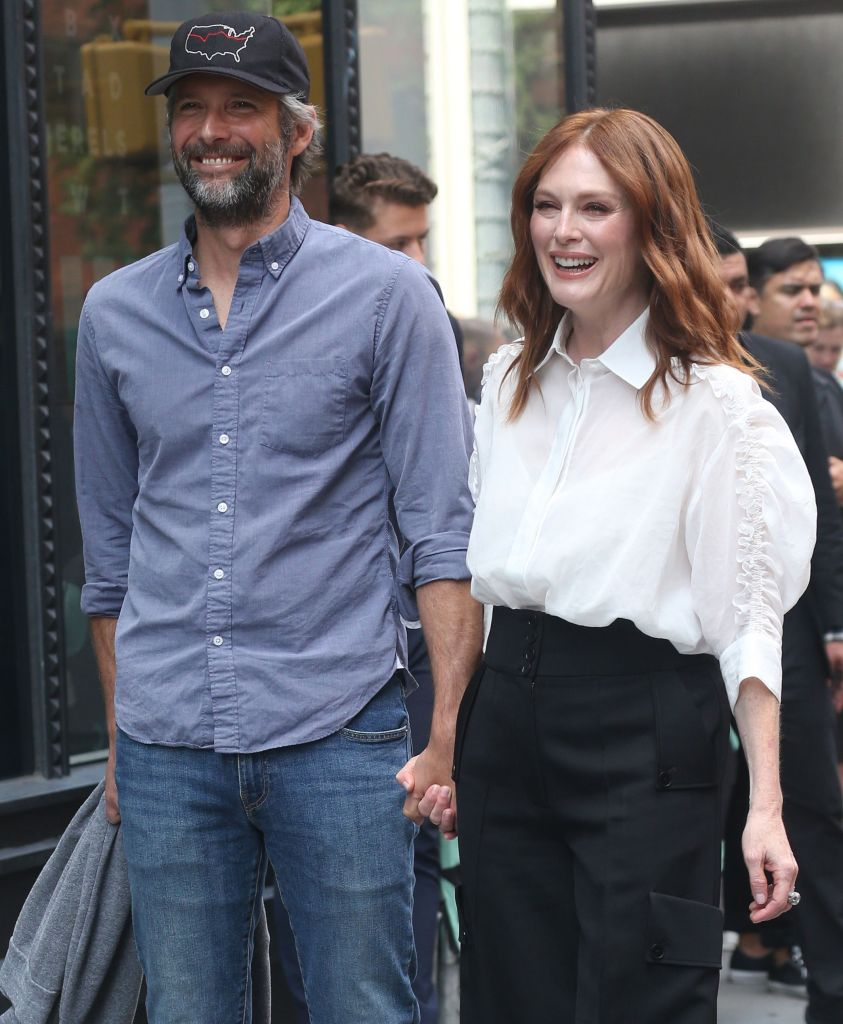 Who Is Julianne Moore's Husband