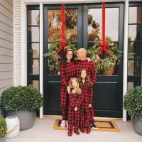 bruce-willis-rare-photo-wife-emma-kids-christmas