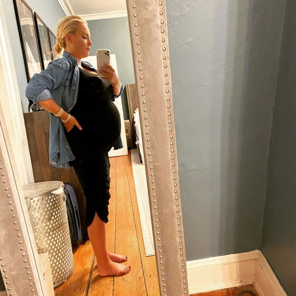 meghan-mccain-shares-rare-photos-from-pregnancy-with-liberty
