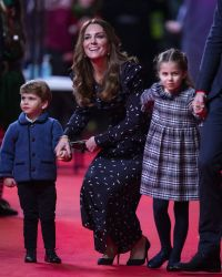Prince William and Duchess Kate Walk Red Carpet With Kids: Photos 4