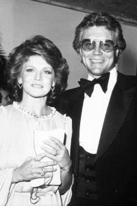 who-is-ann-margrets-late-husband-get-to-know-roger-smith