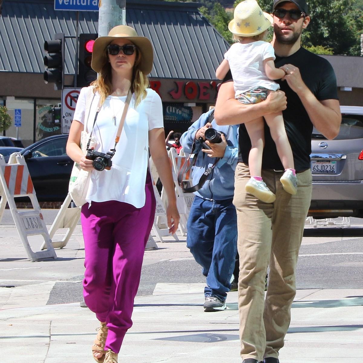 John Krasinski And Emily Blunt S Kids Meet Hazel And Violet