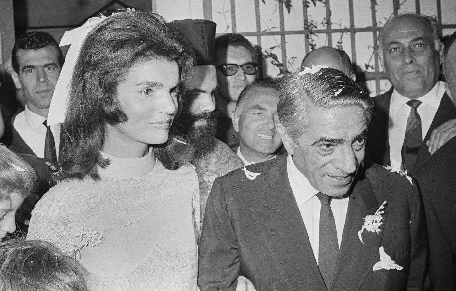 inside-jackie-kennedys-second-marriage-to-aristotle-onassis