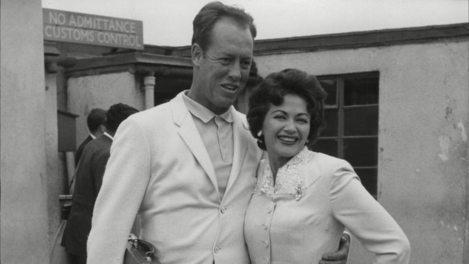 Yvonne De Carlo Overcame Career Trouble and Marital Woes
