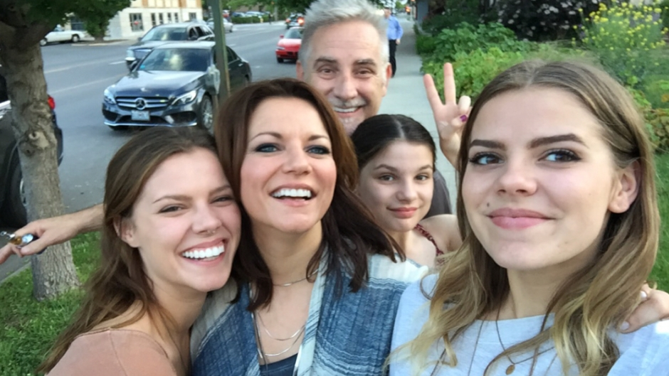 martina-mcbrides-children-meet-her-kids-with-husband-john