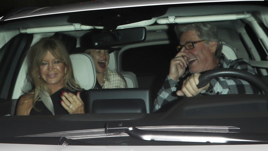 kate-hudson-is-all-smiles-as-she-exits-giorgio-baldi-with-her-mom-goldie-hawn-and-kurt-russell