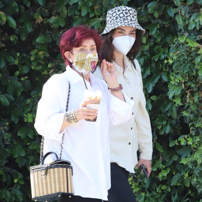 sharon-osbourne-daughter-aimee-spotted-on-rare-outing-photos-2