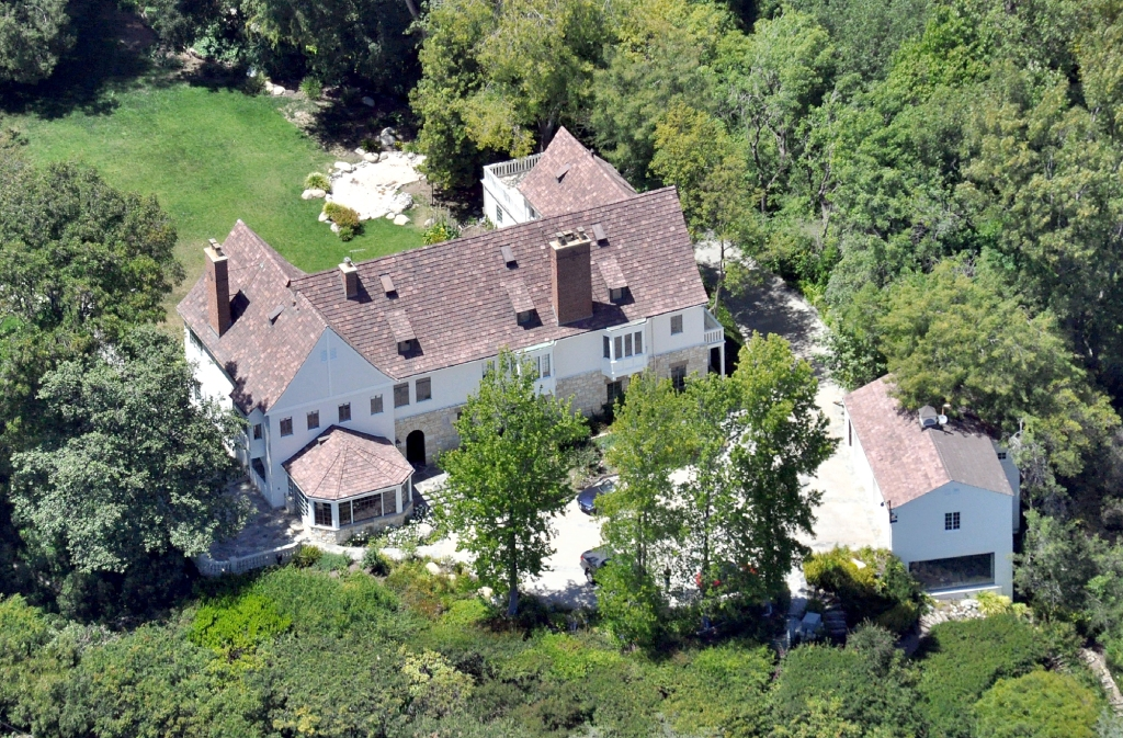 Where Does Sandra Bullock Live Details Her Many Homes Properties