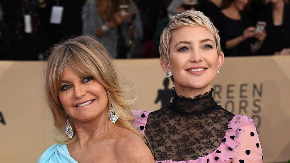 goldie-hawn-is-ecstatic-about-kate-hudsons-engagement