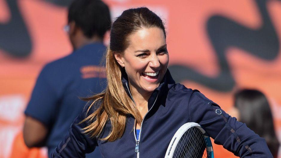 kate-middleton-flaunts-legs-in-tennis-match-with-emma-raducanu